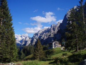 Gosaukamm with Dachstein and Gablonzer hut, Austria