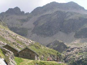 Osogna-Valley-TI-Örz-mountain-hut-Switzerland
