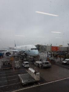 20191206_114103 Schiphol Airport - Regen - Flugzeug - Terminal