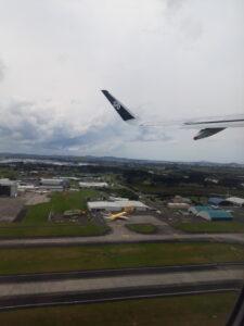 20191208_132338 - Neuseeland - Auckland - Flughafen - Flugzeug