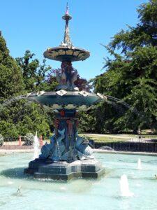 20191209_130228 - Neuseeland - Christchurch - Botanischer Garten -Peacock Fountain (1911)