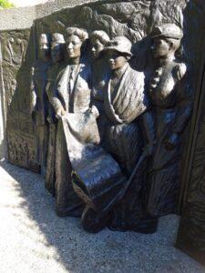 20191209_175528 - Neuseeland - Christchurch - Denkmal - Kate Sheppard Memorial - Frauenstimmrecht