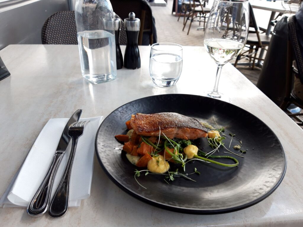 20191209_184340 - Neuseeland - Christchurch - Lachs - Restaurant Fiddlesticks