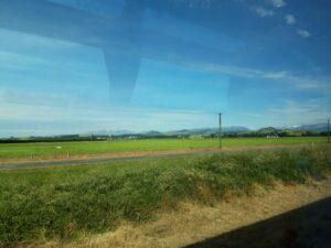 20191210_085539 - Neuseeland - Canterbury Plains - TranzAlpine Bahn - Landwirtschaft - Südalpen