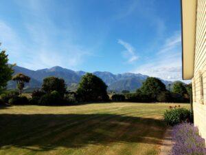 20191211_182729 - Neuseeland - Kaikoura - Kaikoura Ranges - Gebirgskette - blauer Himmel - Aussicht