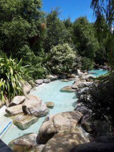 20191215_122555 - Neuseeland - Canterbury NZ - Hanmer Springs - Thermalquelle - Bad - Thermalwasser - Sonne