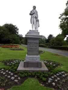 20191219_101713 - Neuseeland - Canterbury - Timaru - Botanischer Garten - Statue - Robert Burns (1759-1796), ), schottischer Dichter