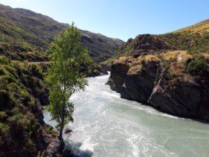 "20191223_100708 - Neuseeland - Otago - Cromwell (NZ) - Queenstown (NZ) - Kawarau Fluss - Kawarau Schucht - ""Roaring Meg"" Wasserkraftwerk"