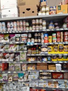 20191224_144854 - Neuseeland - Fiordland - Te Anau - Suspermarkt - Inernational Food - holländische Produkte - appelstroop - zilveruitjes