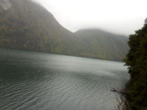 20191225_095847 - Neuseeland - Fiordland - Te Anau Downs (NZ) - Eglinton Valley Tal - Eglinton Fluss - Lake Gunn See