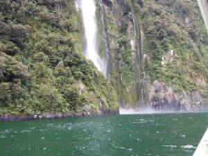 20191225_124754 - Neuseeland - Fiordland - Te Anau (NZ) - Milford Sound - Stirling Fall - Wasserfall