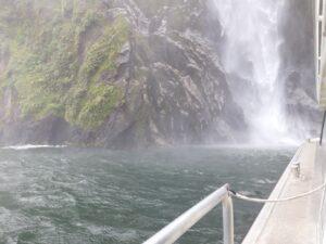 20191225_124840 - Neuseeland - Fiordland - Te Anau (NZ) - Milford Sound - Stirling Fall - Wasserfall