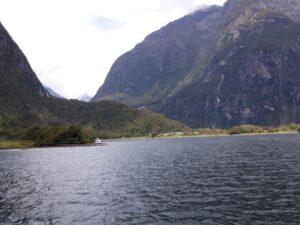 20191225_141955 - Neuseeland - Fiordland - Te Anau (NZ) - Milford Sound - Milford Sound Hafen - Cleddau Valley Tal