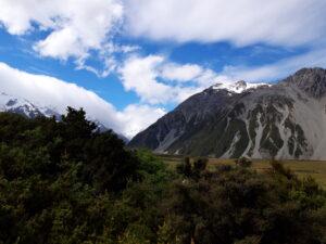 20191226_165218 - Neuseeland - Canterbury (NZ) - Mount Cook Village (NZ) - Aoraki/Mt. Cook (3.724M) - Wolken um Berggipfel