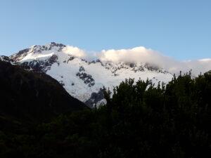 20191226_201757- Neuseeland - Canterbury (NZ) - Mount Cook Village (NZ) - Mt. Sefton (3.151M) - Abendlicht