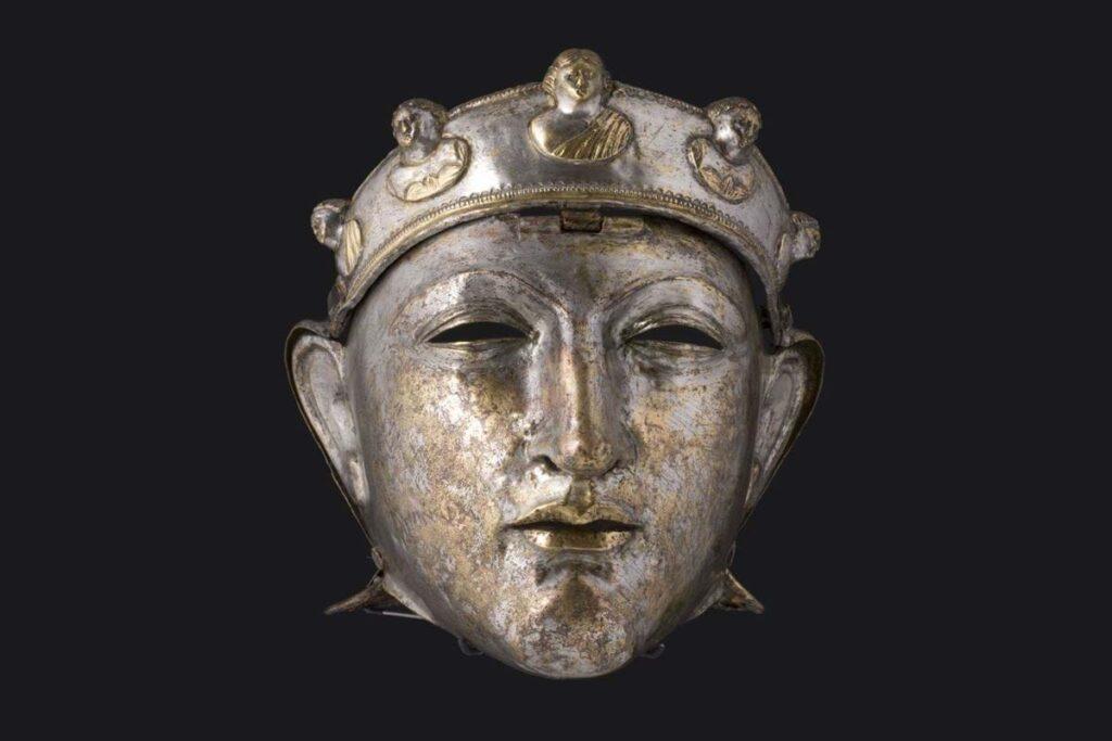 Museum Valkhof collectie-archeologie-verzilverd-gezichtsmasker